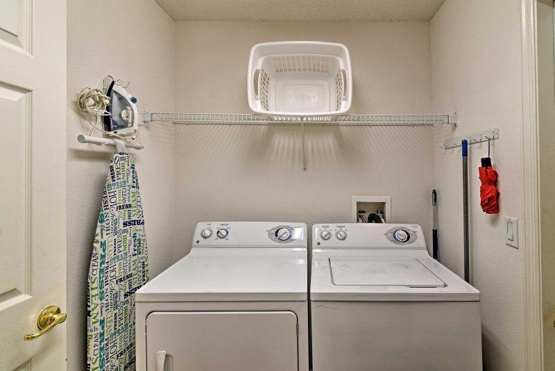 Houd uw kleren schoon met de in-unit wasmachines.