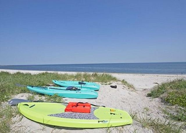 Sea view beach house North Fork Vineyards Farm Stands Your own Private Beach!, holiday rental in New Suffolk
