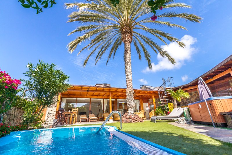 3 bedroom villa with private garden, heated pool and hot tub. WiFi and IPTV. Pure luxury.