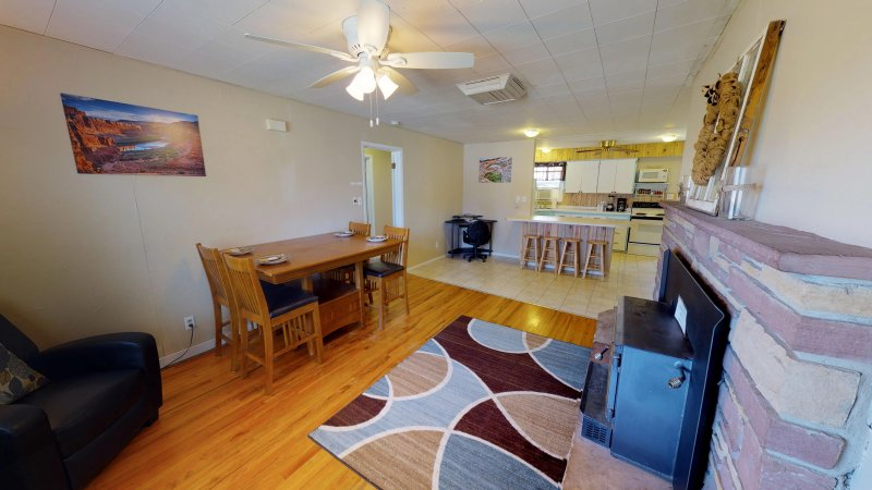 4 Bedroom, 2 Bath, sleeps up to 8, holiday rental in Monticello