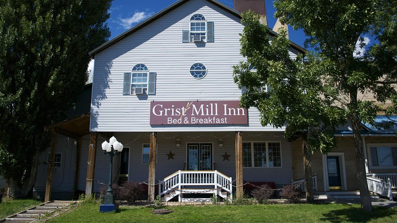 Amazing Antique Flour Mill - Great for Large Groups, holiday rental in Monticello