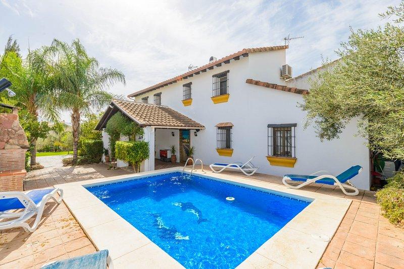 Cubo's Casa La Viña, holiday rental in Gibralgalia