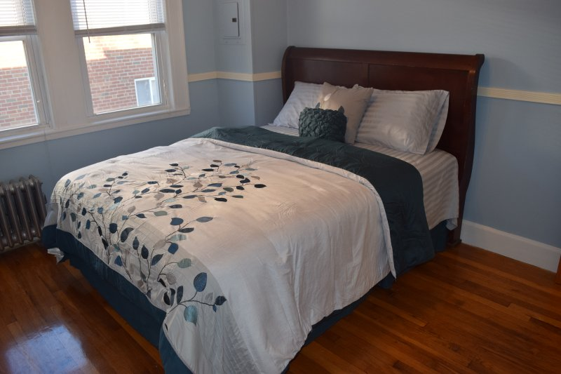 Beautiful Updated 3 BR Condo in Boston (Entire), holiday rental in Weymouth