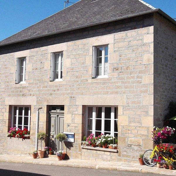 L ' Ancienne Poste, Chambre d 'Hote, holiday rental in Grandsaigne