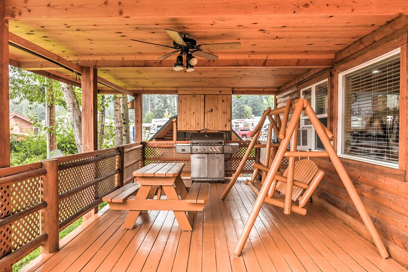 Escape the hustle and bustle of everyday life by retreating to this 2-bedroom, 2-bathroom vacation rental cabin in Polson, Montana!