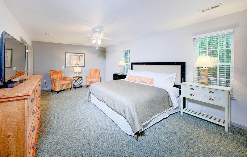 Beachwood Resorts 2BR Suite Bedroom