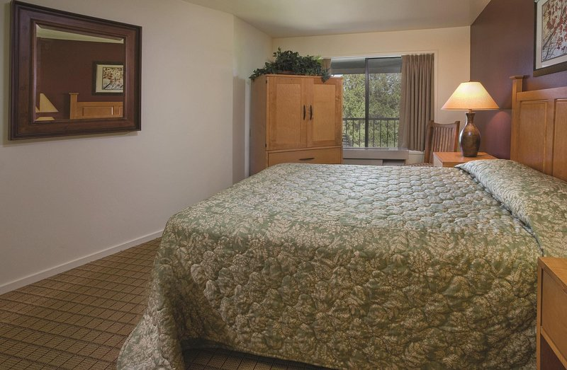 Worldmark Eagle Crest 1 BR Bedroom