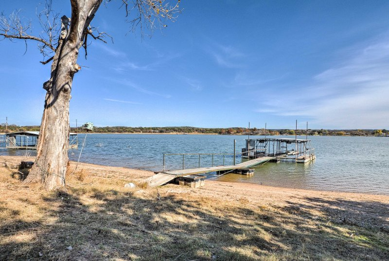 Access the dock within 100 feet of the home!
