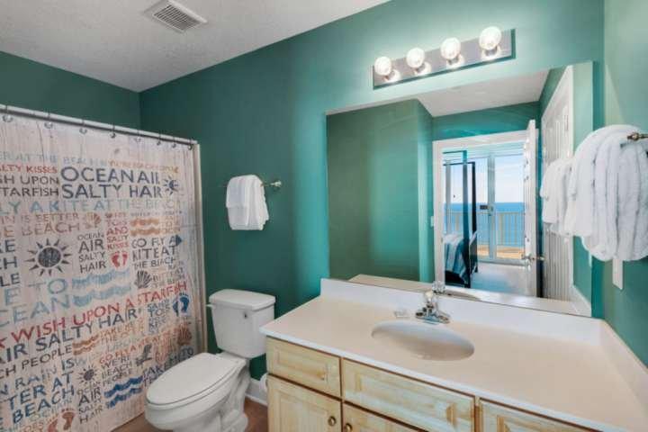 Banheira / Duche nesta casa de banho.