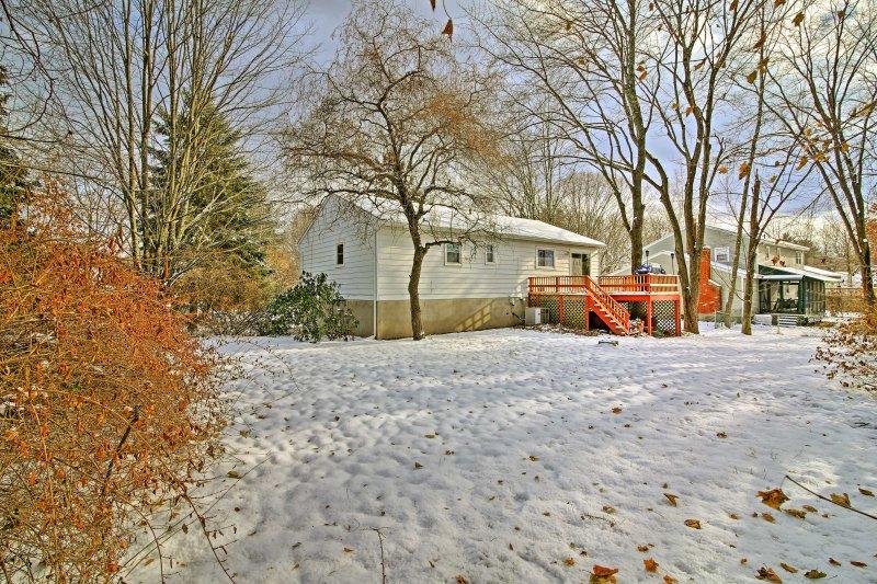 Dit gezellige huis is gelegen op slechts 2,7 mijl van het centrum!