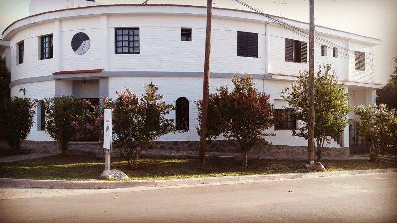 Hosteria 'Luna negra' Alquiler en Mina Clavero, aluguéis de temporada em Villa Cura Brochero
