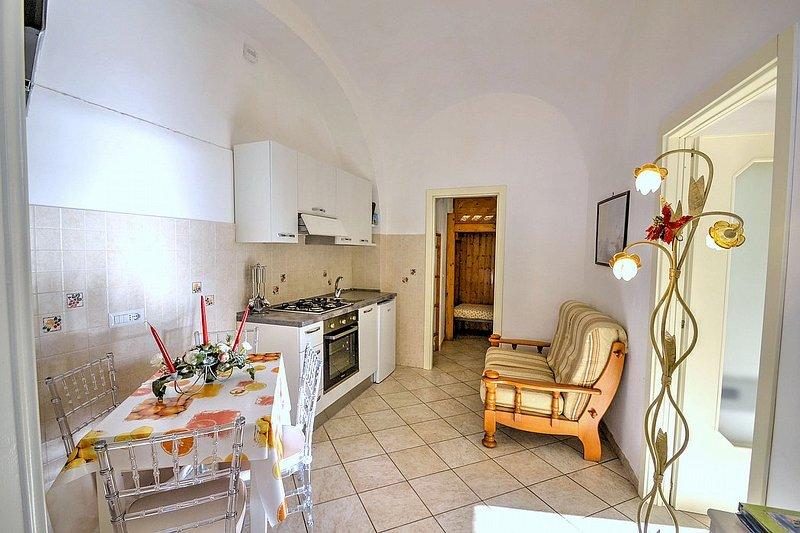 Amalfi Villa Sleeps 3 with Air Con - 5504505, holiday rental in Amalfi