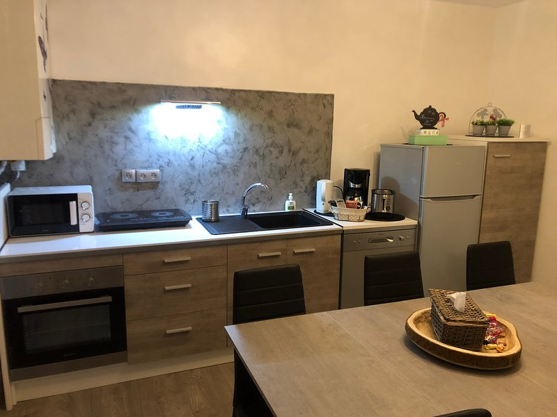 Appartement tout confort Ugine, holiday rental in Gilly-sur-Isere