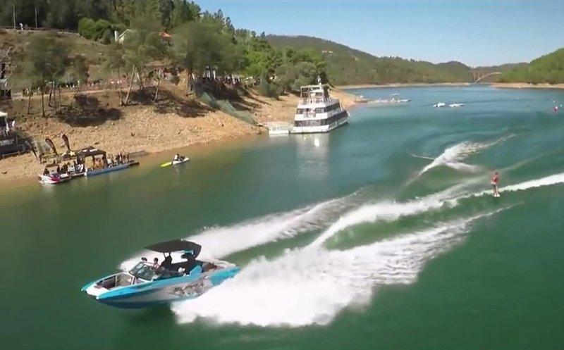 sports wakeboard et eau - Castelo de Bode du lac, à 14 km de Tomar