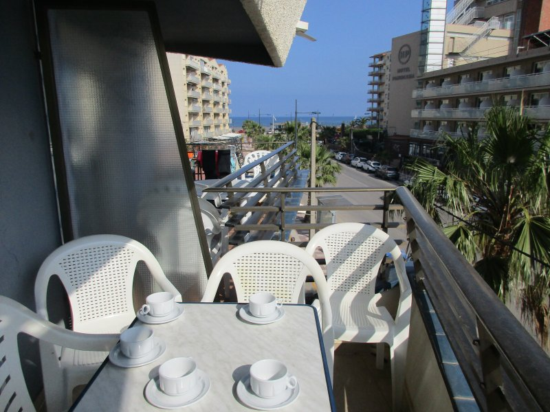 Terrasse avec vue latérale sur la plage