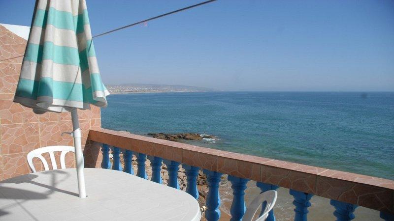 BEACH APPARTEMENT 1 TAGHAZOIT MAROKKO, Ferienwohnung in Imi Ouaddar