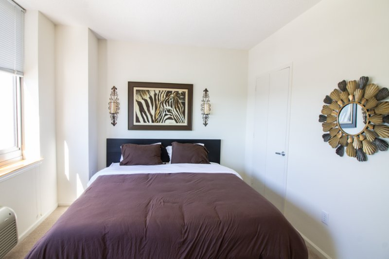 MODERN ONE BEDROOM APARTMENT WITH CITY VIEWS-ZEN SUITES-16QE, holiday rental in Bayonne