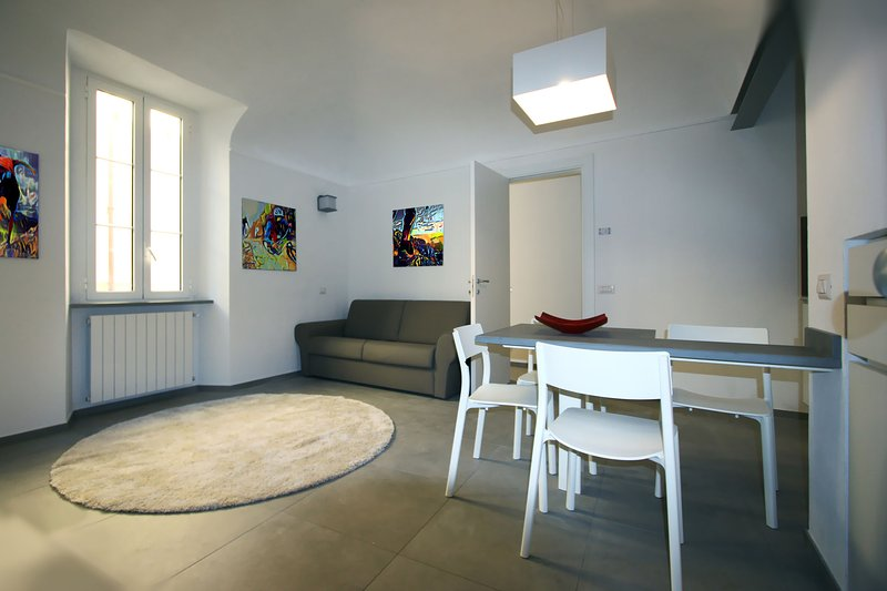 Appartamento Design con ogni confort nel cuore del Borgo Medievale, vacation rental in Finalborgo
