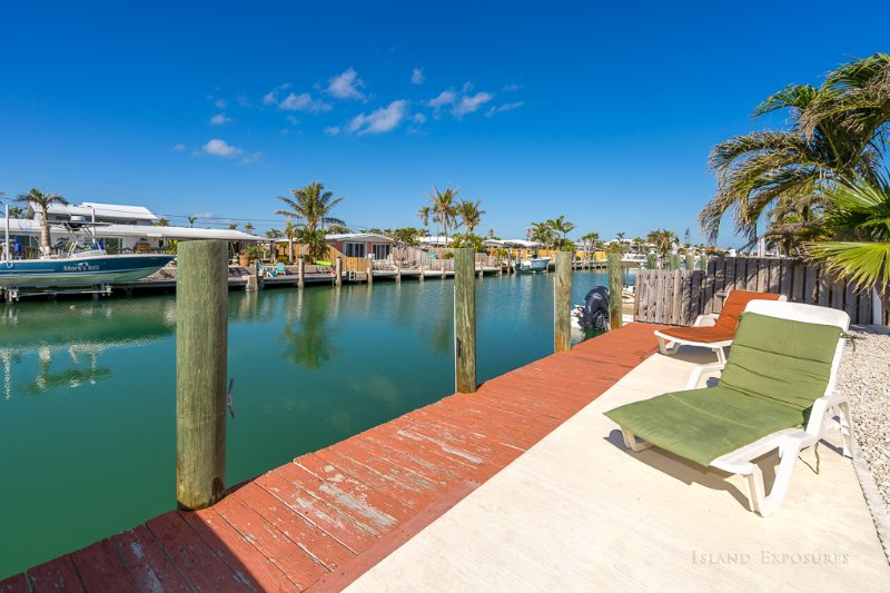 Bring your boat at our 38 foot dock with fish cleaning table