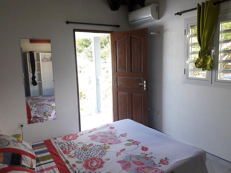 Chambre 1 climatisée attenante balcon...