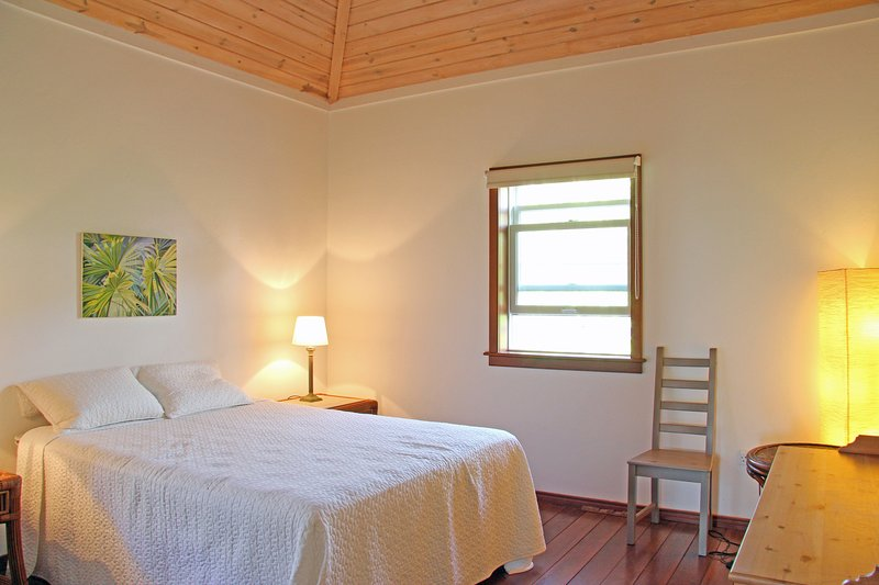 Bedrooms # 1 and 4 : Spacious comfortable double bedded rooms with a/c and garden views.