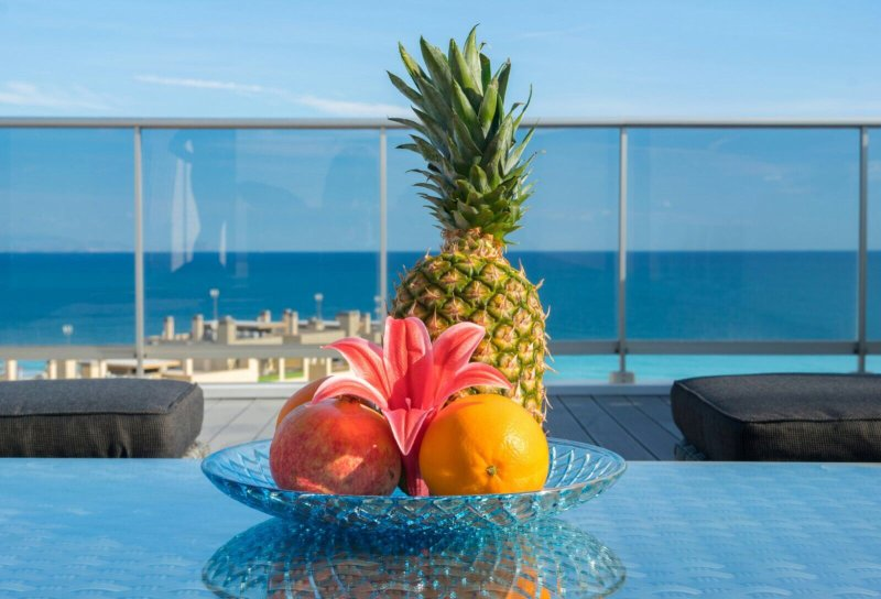 Apartamento (ático) con jacuzzi privado y vistas al mar en Los Arenales del Sol, holiday rental in Los Arenales del Sol