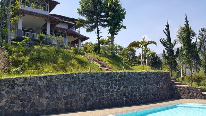 Villa Kaca Putih, Ferienwohnung in Bogor