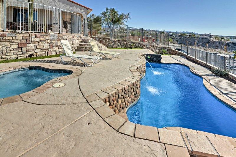 De casinos para o rio Colorado, desfrutar de tudo isso a partir desta casa Bullhead City.