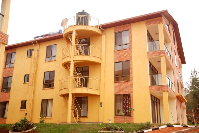KIGALI VILLAGE SUITES w/ Mountain View #3, holiday rental in Kigali