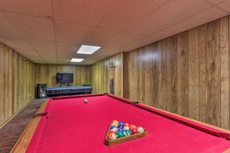 This vacation rental sleeps up to 8 travelers and features a billiards table.