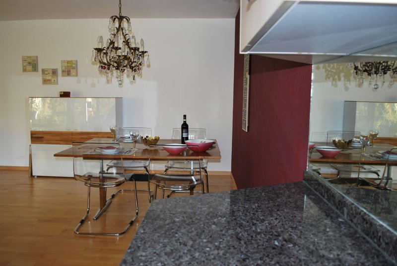 Dining area, view from kitchen