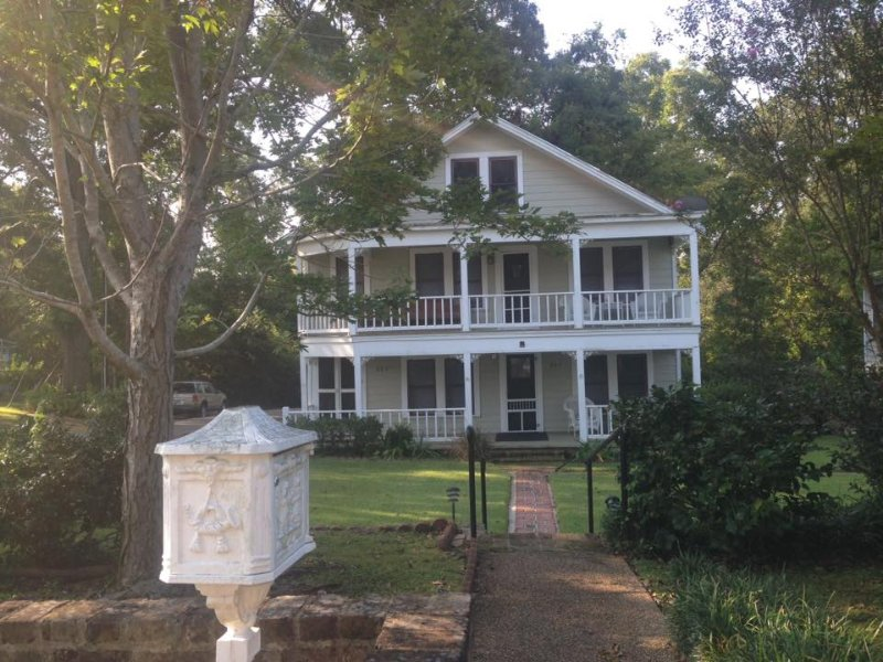 Enjoy an unforgettable vacation at this historic cottage in Jefferson!