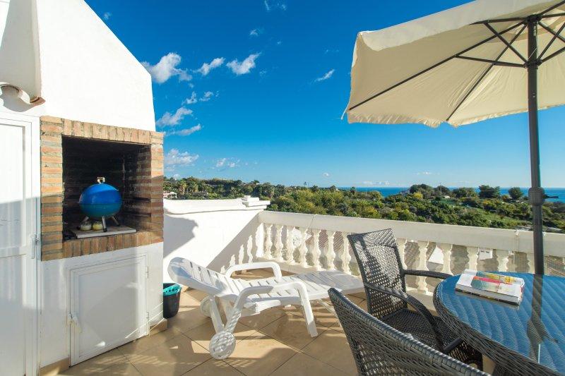 Las Palmas 21C - El Oasis de Capistrano!, vacation rental in Nerja