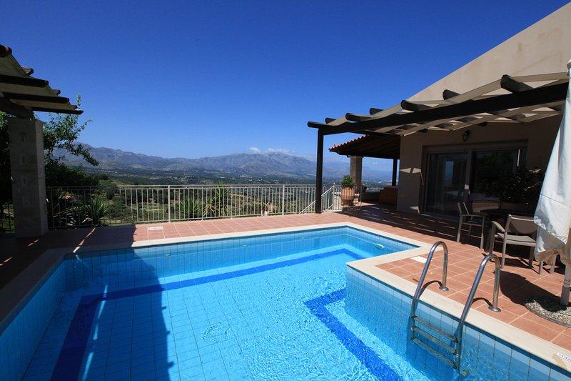 Votre grande piscine privée