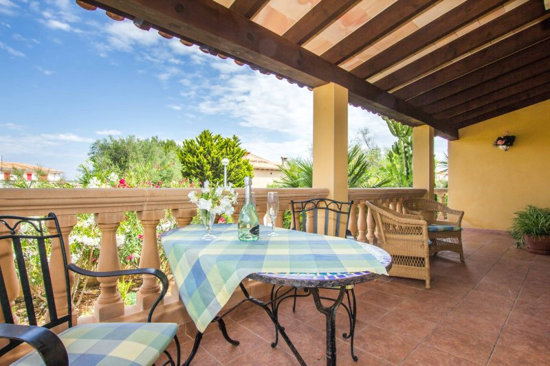 Sestanyol - Tolles Chalet 250 m vom Meer entfernt, holiday rental in Colonia de Sant Pere