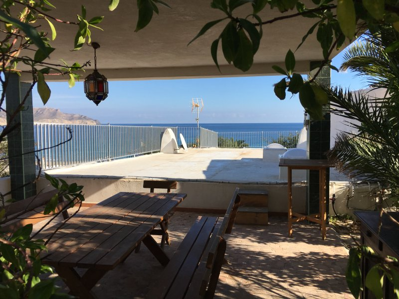 upper terrace facing the sea with barbecue