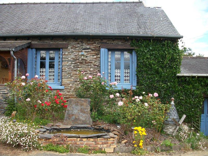 Keriven Cottage Lac de Guerledan, holiday rental in St Nicolas du Pelem