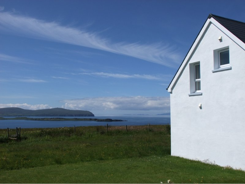 The Smiddy - high-end quality self-catering holiday home in Waternish, casa vacanza a Halistra