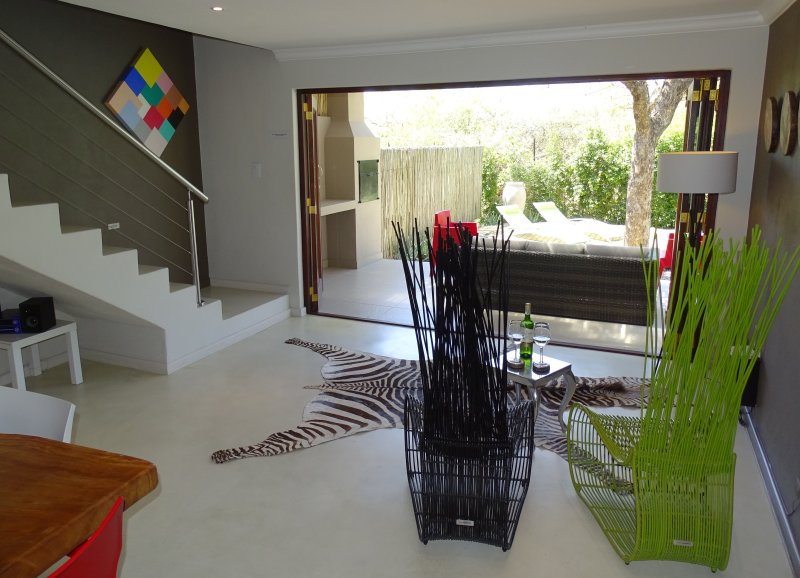 BushGlam Luxury Holiday Home, Hoedspruit, Kruger area, holiday rental in Balule Nature Reserve