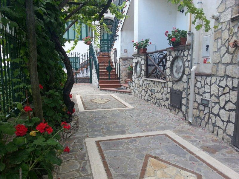Antico borgo del pozzo: Casa 'Ducale', vacation rental in Pucara