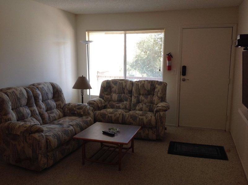 very clean large 2 bedroom, holiday rental in Palm Springs