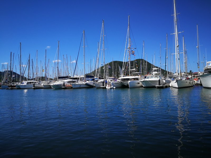 El puerto deportivo cerca