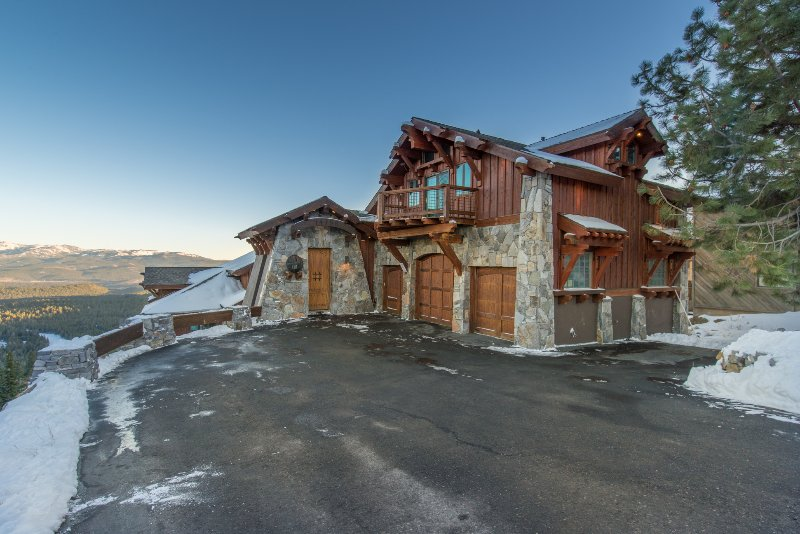 Skislope-Tahoe Villa, vacation rental in Truckee