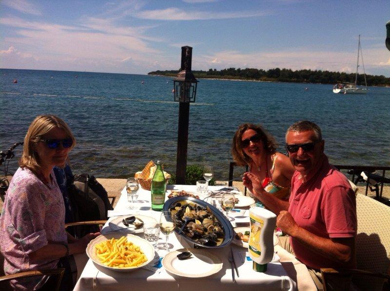 Les restaurants locaux de la mer