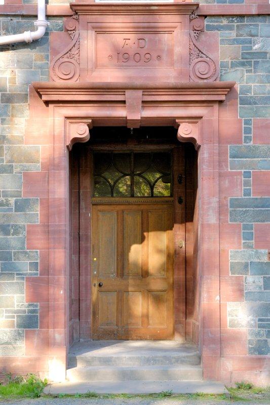 puerta principal de Dun Aluinn, construido 1909
