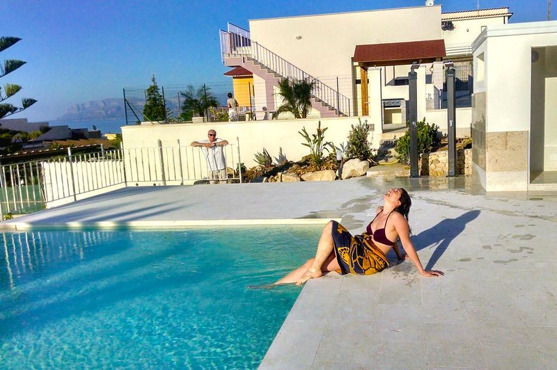 Bel Tramonto Apartments - Unit 3, casa vacanza a Castellammare del Golfo