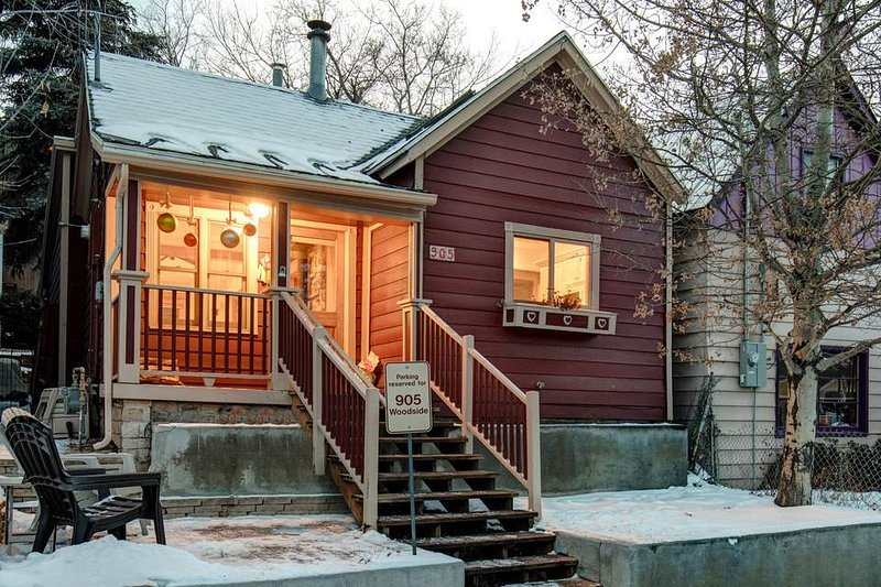 Only a block from your porch is the Park City Mountain Resort town lift, which will whisk you up to the slopes.