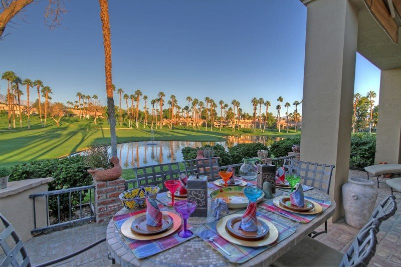 Beautiful 5-Star Updated 2 BDRM w/Den & Bonus Room - Great Desert Vacation Escap, casa vacanza a Greater Palm Springs