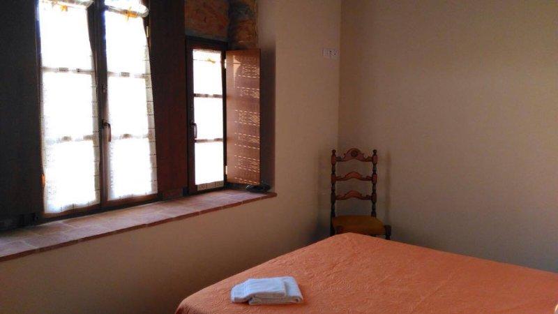 RISTORO DEL VENTURO - Appartamento Rosa, aluguéis de temporada em Castelnuovo di Garfagnana