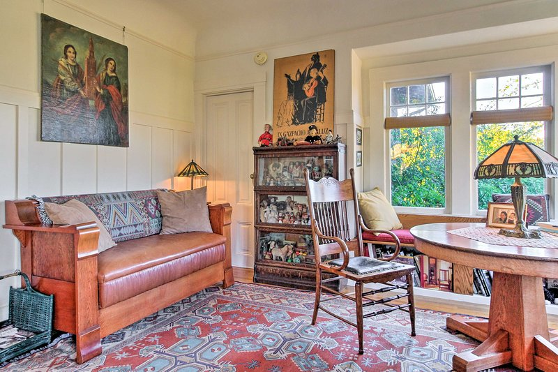 Stay in the heart of Berkeley at this 1-bed, 1-bath vacation rental apartment!
